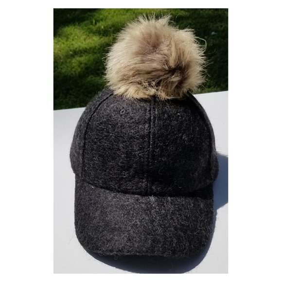 06d7c617e3163 Faux Fox Fur Pom Pom Black Baseball Hip-Hop Hat